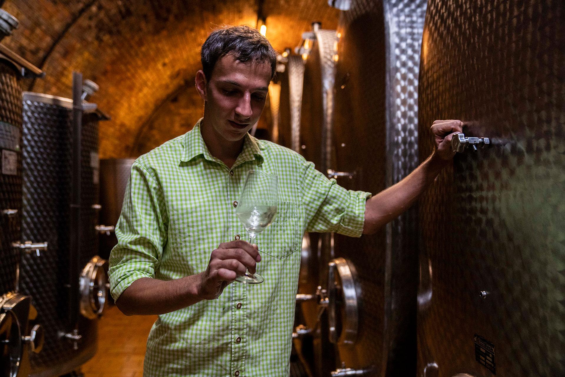 Michael Gruber bei der Weinprobe